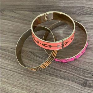 WOMENS' set of 3 neon bracelets